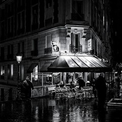 Chez Ginette (christiandumont) Tags: streetphotography streetphoto street streetlife bw blackwhite noiretblanc nb paris montmartre rue night nuit x100f fujifilm