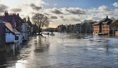 The River Ouse in flood, York centre (robin denton) Tags: yorkshire northyorkshire york floods riverouse riverscape river riverside rnbyorkshireouse citycentre city hdr pub