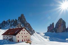 almost kitsch (andreassimon) Tags: winter dreizinnenhütte sonne italien dreizinnen dolomiten rifugiolocatelli dolomiti landschaft paternkofel sun