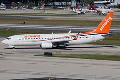 C-FFVJ | Boeing 737-8Q8/W | Sunwing Airlines (lsf Smartwings) (cv880m) Tags: lauderdale fortlauderdale ftlauderdale fll kfll florida aviation airliner airline aircraft airplane jetliner airport spotting planespotting cffvj boeing 737 738 737800 7378q8 winglet sunwing canada sunwingairlines smartwings