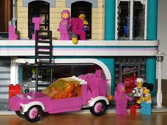 Pink Rover - Febrovery 2020-13 (captain_j03) Tags: pink modularhouse americandiner toy spielzeug 365toyproject lego minifigure minifig moc car auto febrovery space rover rosa