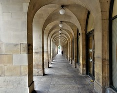 Arched passage in Manchester (Tony Worrall) Tags: welovethenorth nw northwest north update place location uk visit area attraction open stream tour photohour photooftheday pics country item greatbritain britain british gb capture buy stock sell sale outside dailyphoto outdoors caught photo shoot shot picture captured ilobsterit instragram england gmr manchester manc city urban outdoor arch walk museum walkway passage sony