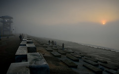 Misty sunrise at Digha (draskd) Tags: digha beach sunrise mist misty bay sea seabeach embankment bayofbengal landscape morning cold atmosphere exquisitelight west bengal nikon haze