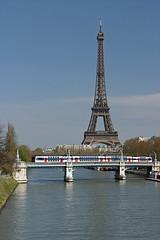 SNCF  Z 20500 - Paris (Rene_Potsdam) Tags: sncf paris france frankreich frankrijk eiffeltower latoureiffel eiffelturm eiffeltoren z20500 treinen trains trenes treni tren züge spoorwegen seine