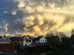 Mammatus Sabinae (grapfapan) Tags: sky storm weather clouds sabine göttingen mammatus iphone