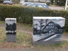 Der Siemersche Hof (fuisligo) Tags: hamburg bergedorf lohbrügge bauernhof verteilerkasten hasu hof baum