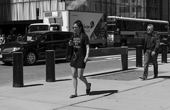 Fashion stole my money (New York people) (Samarrakaton) Tags: samarrakaton 2019 nikon d750 2470 nyc newyork nuevayork usa eeuu estadosunidos manhattan callejera street urbana urban gente people byn bw blancoynegro blackandwhite monocromo girl chica