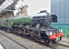 Flying Scotsman at Preston station (Tony Worrall) Tags: preston lancs lancashire city welovethenorth nw northwest north dailyphoto photooftheday nice update place location uk england visit area attraction open stream tour country item greatbritain britain english british gb capture buy stock sell sale outside outdoors caught photo shoot shot picture captured ilobsterit instragram photosofpreston relic steam rail engine steamtrain flyingscotsman railway transport old historic sony