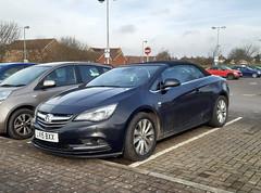 2015 Vauxhall Cascada CDTI (hugh llewelyn) Tags: 2015vauxhallcascadacdti
