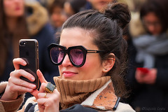 L'armonia e la grazia delle donne. - The harmony and grace of women. (Eugenio GV Costa) Tags: approvato ritratto street persone portrait outside woman donna