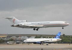 N287SC, Boeing 727-2A1 Capital Cargo @ Ft. Lauderdale FLL KFLL (LaKi-photography) Tags: flugzeug plane jet avion aircraft flughafen flugplatz fluggesellschaft airline airliner aeroporto aeropuerto aerolínea самолет 航空機 аэропорт 空港 авиакомпания エアライン havalimanı havayollari verkehr verkehrsflugzeug transport traffic boeing 727 boeing727 spotting aviation aviación luftfahrt canon usa vereinigtestaaten unitedstaatesofamerica florida fll kfll ftlauderdale capitalcargo cargo fracht cargoplane