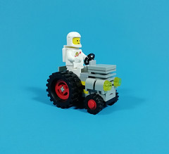 classic space tractor – febrovery mmxx 10 (Alpha Bernini) Tags: lego moc febrovery rover tractor traktor space sciencefiction classicspace minifigure astronaut