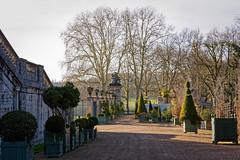 L'Orangerie - entrée (Chrisar) Tags: angénieux2870 nikond750 dxophotolab3 versailles parc grille
