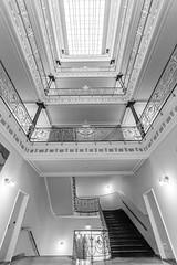 immer weiter hoch hinaus (Dietmar Theile Fotografie) Tags: stairs dietmartheilefotografie architecture building architecturephotography staircase steps stairsandsteps räumefürträume treppenhaus treppenhausfreitag
