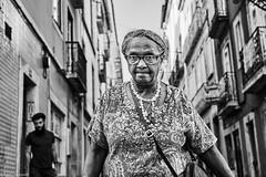 Frau (rainerneumann831) Tags: bw blackwhite street streetscene ©rainerneumann urban monochrome candid city streetphotography blackandwhite lisboa lissabon frau portrait