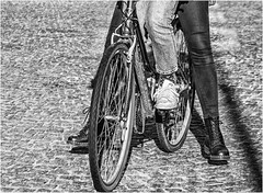 Look, no hands.... (Patricia Wilden) Tags: cambridge canon3os70d legs monochrome eos70d people blackandwhite moon bike street shoes