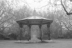 Bandstand // Battersea Park // London (kjieiylv94) Tags: olympus om1 ilford hp5plus film blackandwhite london 35mm