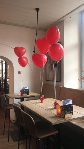 Tafeldecoratie 2ballonnen Hartballonnen Brasserie Stadhuis Schiedam
