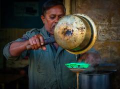 The chaiwala, Jaisalmer (Linda Crawley) Tags: india rajasthan sonyrx10m4