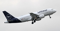 D-AILL Lufthansa Airbus A319-114 3 (ahisgett) Tags: ringway manchester man airliner