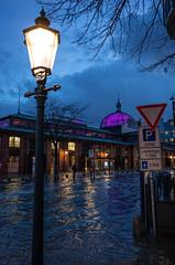 Latern (Tobias Scharnberg) Tags: hamburg fischmarkt fischauktionshalle sturm sabine storm elbe sturmflut