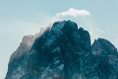 Summit (Nicola Pezzoli) Tags: italy italia val gardena bolzano dolomiti dolomites mountain montagne ski sci snow neve winter inverno gröden sassolungo shadows ombre clouds