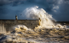 Stormy wk7 Darren Pullman (DistantColours) Tags: newhaven storm wave sea ocean lighthouse coast