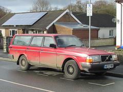 Volvo 240 GL (Andrew 2.8i) Tags: street classic cars car wales united kingdom spotting carspotting streetspotting volvo estate swedish stationwagon 240 gl 240gl 200series