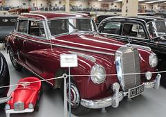 Mercedes-Benz 300 (D70) Tags: southwardcarmuseum paraparaumu newzealand mercedesbenz saloon germany 3litre 6cylinder ohcengine 160hp 5300rpm w186 model 300 fourdoor luxurytourer between1951and1957