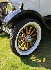 The spoked wheel (big_jeff_leo) Tags: car carshow automotive auto classic vehicle vintage veteran transport