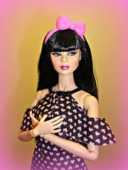 Happy Valentine's Day! 💗💜 (Deejay Bafaroy) Tags: pink portrait black fashion toys doll purple rosa it porträt lila lottery lilac yeti fr schwarz royalty puppe violett integrity theindustry tulabelle tulabelletrue yetiforit exclusivevialottery vialottery hearts herzen herzchen dress barbie kleid valentinesday valentinstag happyvalentinesday 2020