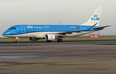 PH-EXH taxiing down TWY Charlie on arrival (Ibirdball) Tags: klm klmcityhopper embraer erj175std phexh norwichairport nwi egsh