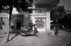 Tel Aviv (Valentine Kleyner) Tags: telaviv israel street city film bw ultarfinextreme400 fomadon foma leica voigtlander heliar