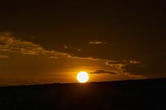 Atardecer (Explore Feb-15-2020) (José M. Arboleda) Tags: atardecer puestadelsol tarde poniente sol nube arrebol cielo rojo popayán colombia canon eosrp rf24240mmf463isusm josémarboledac