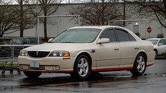 2002 Lincoln LS (mlokren) Tags: 2020 car spotting photo photography photos pic picture pics pictures pacific northwest pnw pacnw oregon usa vehicle vehicles vehicular automobile automobiles automotive transportation outdoor outdoors fomoco ford motor company motorcraft 2002 lincoln ls sedan beige