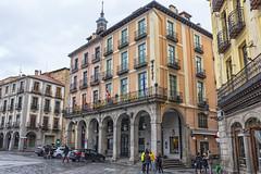 Los soportales del hotel (lebeauserge.es) Tags: segovia españa ciudad calle plaza edificio historico historia