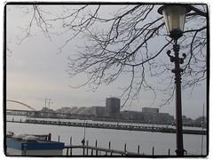 Wat nou scheef (Alexander 53) Tags: alexander53 amsterdam plaatjesmaker meij2600 schellingwoude noordholland nederland holland historic ij oranjesluizen