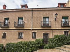 Tras el acueducto (lebeauserge.es) Tags: segovia españa ciudad calle plaza edificio historico historia