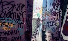 PESADILLA (jpi-linfatiko) Tags: nikon d7200 sigma1770 calle ciudad street city urbano urban urbana exterior messages mensajes protesta protest muros walls graffiti grafiti paint pintura expresion expression