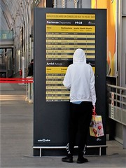 No stripes (No strisssie) (VauGio) Tags: fuji fujixf10 xf10 railwaystation stazionediportasusa portasusarailwaystation orari strisce stripes departure arrivals partenze arrivi inlove sanvalentino valentinesday