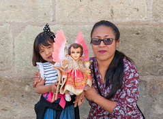 Mother and Daughter on Candelaria, Oaxaca. (Ilhuicamina) Tags: oaxaca mexico candelaria jesus candlemas girl nina mother madre