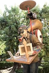 Como un monumento al artista (2010) # 3 (just.Luc) Tags: sculpture escultura statue estatua statua beeld beeldhouwwerk skulptur man male homme hombre uomo mann muzikant musician musicien musicalinstrument instrumentdemusique art kunst europa europe spain spanje espagne españa spanien andalusië andalucía andalusien andalousie andalusia sevilla seville séville siviglia