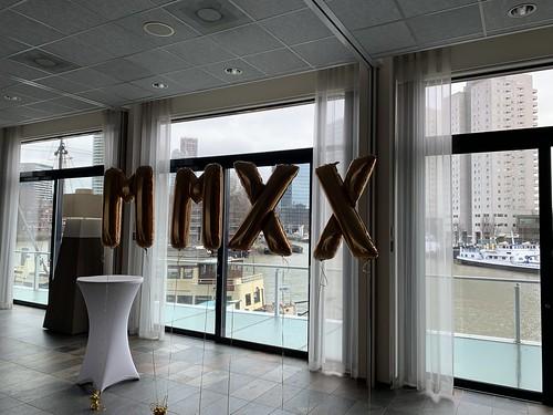 Folieballon Letters MMXX Intell Hotel Mainport Rotterdam