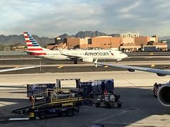 AAL 1345 at PHX (craigsanders429) Tags: americanairlines aircraft airlines airplanes airliners airports 737 737800 boeing737 jets jetliners phoenixskyharborairport