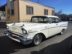 Snow White (misterbigidea) Tags: parked dailydriver beauty americana car auto vintage classic white belair chevy chevrolet