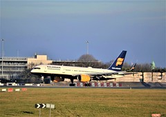Photo of Icelandair 757