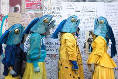 Peces caminando (pslachevsky) Tags: chiledesperto complejoconejo barrio chile chili iglesia pecescaminando santiagooff artesescénicas barriolastarria pecesprotestando