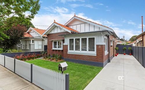 8 Earle Av, Ashfield NSW 2131