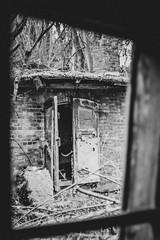 The Door (Christoph Wenzel) Tags: urbex deutschland manuell sonyalpha7riii schwarzweis pancolar1850mm carlzeissjena blackandwhite lostplace vintage bw thüringen m42 winter ilmenau