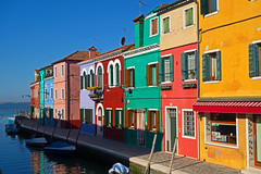 Burano island - Venice - April 2019 (Dis da fi we) Tags: burano island venice heritage fishing village bright colours tradition painting houses boatfilled canals handmade lace brightly coloured picturesque northern venetian lagoon